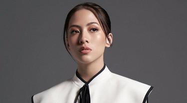 6 Gaya Pemotretan Adhisty Zara dengan Korean Look, Menawan