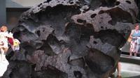 Para peneliti menduga, meteorit Willamette mendarat secara perdana di tempat lain dan terseret ke Oregon melalui gletser selama Zaman Es, sebab tidak dijumpai adanya kawah bekas tumbukan di Oregon. (Wikimedia Commons)