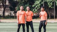 Ponaryo Astaman dan Kurniawan Dwi Yulianto saat memimpin elite training yang digelar Fisik Football bekerja sama dengan Nike Indonesia di Lapangan Pertamina, Simprug, Kamis (9/8/2018). (Istimewa)
