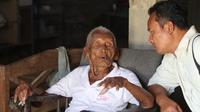Mbah Gotho kakek 146 tahun dari Sragen (Liputan6.com / Fajar Abrori)