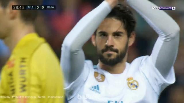 Berita video gelandang Real Madrid, Isco, tidak melakukan selebrasi setelah mencetak gol indah ke gawang Malaga. This video presented by BallBall.