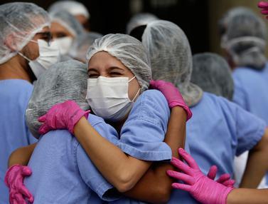 Mengantar Kepulangan Pasien COVID-19 Terakhir di RS Darurat Brasil
