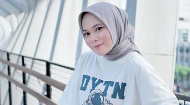 7 Potret Terbaru Anisa Rahman, Eks Backing Vokal Sabyan Gambus