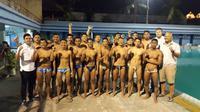 PB PRSI dan pelatih pelatnas polo air asal Serbia, Milos Sakovic, mengumumkan 18 atlet putra yang lolos seleknas pelatnas polo air proyeksi SEA Games 2017 di Kolam Renang Simprug Pertamina, Jakarta, Sabtu (14/1/2017). (PB PRSI)