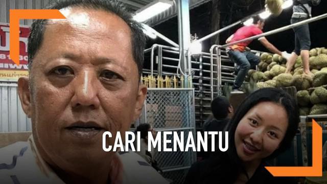Pria bernama Anont Rotthong ini menjadi viral usai menyatakan dirinya akan memberikan 10 mobil, sebuah rumah dan uang senilai 10 juta baht atau senilai Rp 4,4 miliar kepada pria yang ingin menikahi anaknya.