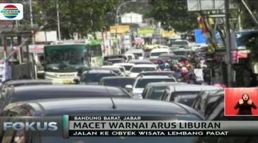 Untuk mengatasi kemacetan, kepolisian Satlantas Polres Cimahi memberlakukan lebih dari lima kali rekayasa arus dengan sistem buka tutup.