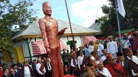 Mendagri Tjahjo Kumolo menyatakan, setiap tempat persinggahan Sukarno di Tanah Air akan dibangun monumen patung Bung Karno disertai lambang burung Garuda Pancasila. (Liputan6.com/Ola Keda)