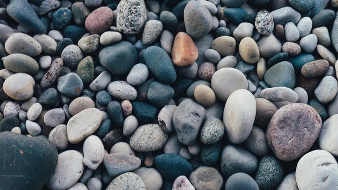 Ilustrasi Batu (sumber: unspash)