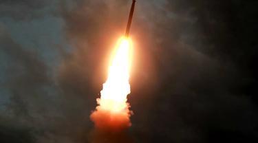 Rudal jarak pendek Korea Utara diluncurkan pada 31 Juli 2019 (AFP Photo)