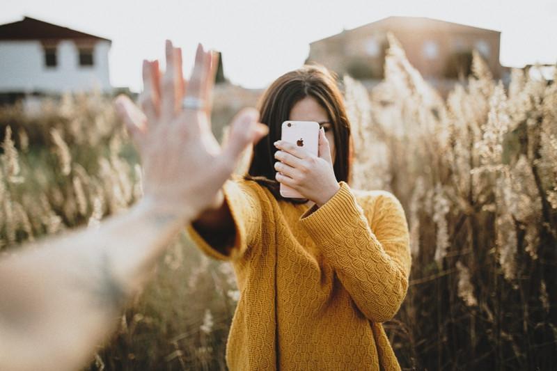 Hindari hal-hal norak di awal hubungan, agar nggak menyesal kemudian. (Foto: unsplash)