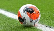 "Bola resmi Premier League 2019-2020, Nike ""Tunnel Vision"" Merlin ball. (AFP/Paul Ellis)"