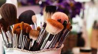 Berikut tujuh jenis kuas makeup dan fungsinya yang belum Anda ketahui. (Foto: iStockphoto)