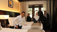 Menag Lukman Hakim Saifuddin dan Menko Pemberdayaan Manusia dan Kebudayaan (PMK) Puan Maharani meninjau persiapan layanan akomodasi bagi jemaah haji di Kota Madinah Al Munawwarah, Rabu (1/5/2019) waktu setempat. (Ist)