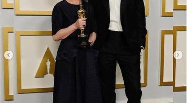 Gaya Rambut Baru Brad Pitt di Oscar 2021 Diyakini Bakal Jadi Tren