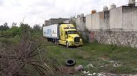 Truk kontainer berpendingin udara berisi lebih dari 100 jenazah di Meksiko (AFP/Mexico News Daily)