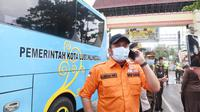 Gubernur Sumsel Herman Deru saat menghubungi Gubernur Bengkulu terkait penerapan New Normal di perbatasan antarprovinsi (Dok. Humas Pemprov Sumsel / Nefri Inge)