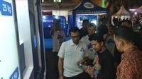 Wakil Gubernur (Wagub) Jawa Timur Emil Elestianto Dardak menghadiri kampanye #Bijak Berplastik di ajang East Java Investival 2019 (EJI 2019). (Foto:Liputan6.com/Dian Kurniawan)