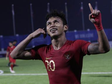 Striker Timnas Indonesia U-22, Osvaldo Haay, merayakan gol yang dicetaknya ke gawang Laos U-22 pada laga SEA Games 2019 di Stadion City of Imus Grandstand, Manila, Kamis (5/12). Indonesia menang 4-0 atas Laos. (Bola.com/M Iqbal Ichsan)