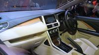 Interior ruang baris pertama Small MPV dari Mitsubishi.(Arief/Liputan6.com)