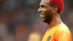 Gelandang Belanda Ryan Babel berselebrasi usai mencetak gol ke gawang Prancis pada pertandingan UEFA Nations League di Stadion Stade de France, Saint-Denis, Prancis, (9/10). Prancis menang 2-1 atas Belanda. (AP Photo/Christophe Ena)