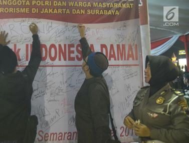 Warga Semarang Gelar Aksi Kecam Bom Surabaya