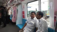 Di Gerbong MRT, Jokowi dan Prabowo Tampak Berbincang Serius