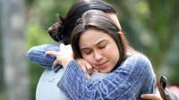 Adegan sinetron Love Story The Series tayang perdana Selasa (12/1/2021) pukul 20.00 WIB dibintangi Giorgino Abraham dan Yasmin Napper (Dok Sinemart)