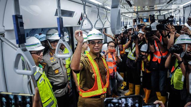 Foto Anies Baswedan Sebut Penghitungan Tarif MRT Sesuai Jarak