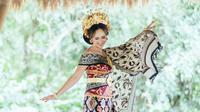 Pesona Pamela Bowie Dalam Balutan Baju Adat Bali, Tampil Menawan. (Sumber: Instagram/gerobakphotography)