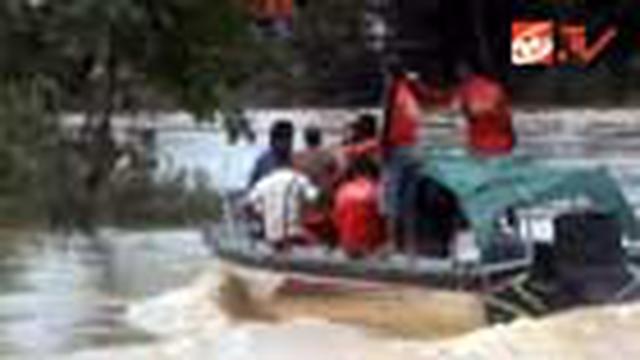 Setelah enam hari, pencarian empat jasad korban banjir di Tanah Bumbu, Kalsel, dihentikan. Sejauh ini, baru dua jenasah yang ditemukan tim pencari.