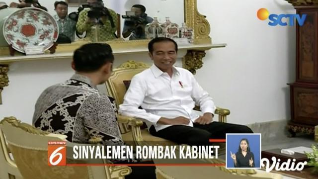 Isu reshuffle Kabinet Kerja mengemuka usai pertemuan Joko Widodo dengan Agus Harimurti Yudhoyono.