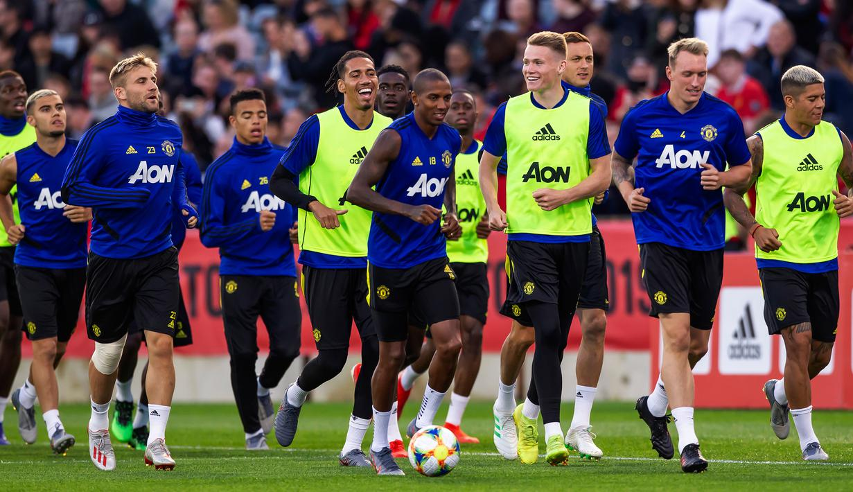 Image result for latihan manchester united
