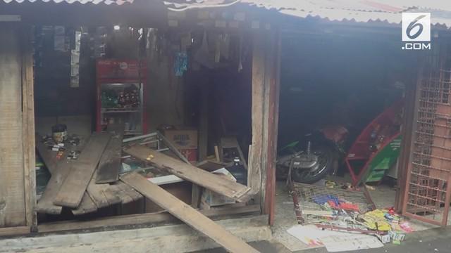 Rumah juru parkir yang melakukan pengeroyokan terhadap anggota TNI di Jakarta Timur dirusak orang tak dikenal.