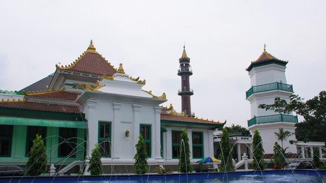 Menyambut Pagi Teduh Di Masjid Agung Palembang Regional Liputan6 Com