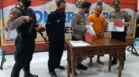 Polisi Kebumen menangkap penjambret yang gagal karena dikejar korban. (Foto: Liputan6.com/Humas Polres Kebumen)
