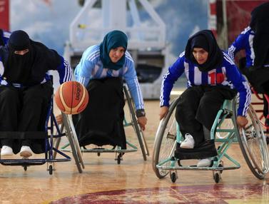 FOTO: Semangat Kompetisi Wanita Penyandang Disabilitas Yaman dalam Olahraga Basket
