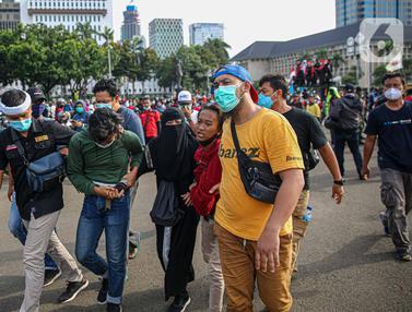 Massa Diduga dari Anarko Diamankan Petugas Kepolisian