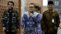 Ketua MPR Zulkifli Hasan didampingi Ketua MK Anwar Usman dan Ketua KPK Agus Rahardjo saat akan memberi keterangan terkait Festival Konstitusi dan Antikorupsi ke-3, Jakarta, Jumat (27/4). Festival berlangsung pada 14-15 Mei 2018. (Liputan6.com/Johan Tallo)