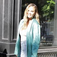 Chrissy Teigen (FOTO: Splashnews)