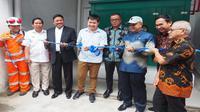 Wakil Ketua Komisi VII DPR RI Tamsil Linrung bersama Tim Kunjungan Kerja Komisi VII DPR RI meninjau penyaluran gas perdana ke salah satu perusahaan makanan di Kota Medan, Sumatera Utara, Senin (30/4/2018).