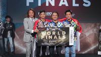 Rizky Faidan dkk berpose setelah menjadi jawara PES League Asia 2019.  (FOTO / Liga1PES)