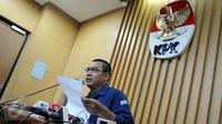 Kepala Bagian Pemberitaan dan Publikasi KPK Priharsa Nugraha saat memberi keterangan di Gedung KPK, Jakarta. (Liputan6.com/Helmi Afandi)