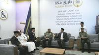 Menteri Agama (Menag) Lukman Hakim Saifuddin dan anggota Amirul Hajj lainnya tiba di Bandara King Abdul Aziz, Jeddah pada Selasa sore (30/7/2019). Darmawan/MCH