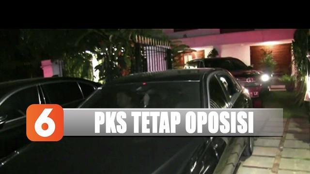 PKS menyatakan akan tetap jadi oposisi. Meskipun begitu, PKS tetap mendukung Prabowo Subianto masuk kementerian.