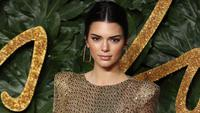 Mengintip cantiknya Kendall Jenner di British Fashion Awards. (DANIEL LEAL-OLIVAS / AFP)