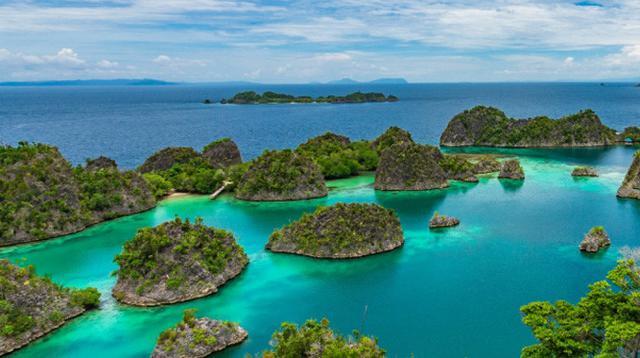 Festival Pesona Bahari Raja Ampat 2018 yang siap dihelat 18-22 Oktober 2018 merupakan event tahunan yang selalu ditunggu-tunggu wisatawan untuk mengeksplorasi wisata kawasan Raja Ampat Papua.