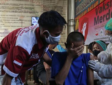 Pasien ODGJ di Bekasi Jalani Vaksinasi COVID-19