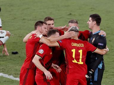 Belgia sukses mengalahkan juara bertahan Portugal di babak 16 besar Euro 2020 yang berlangsung di Stadion La Cartuja, Spanyol. Hanya satu gol yang tercipta dari pertandingan sengit tersebut. (Foto: AP/Pool/Jose Manuel Vidal)
