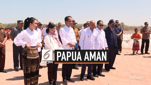 Presiden Joko Widodo atau Jokowi mengaku terus memantau kondisi keamanan di Papua dan Papua Barat usai kerusuhan. Mantan Gubernur DKI Jakarta ini mengatakan, kondisi di dua wilayah tersebut saat ini telah kondusif.