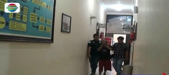 Seorang pria pengangguran di Blitar cabuli bocah kelas 6 SD sebanyak empat kali hingga hamil. Sebelum melakukan aksinya, pelaku mengiming-imingi korban dengan uang Rp 20 ribu.